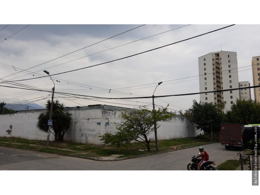 bodega y parqueadero calle 34n 2bn esquina la mejor ubicacion