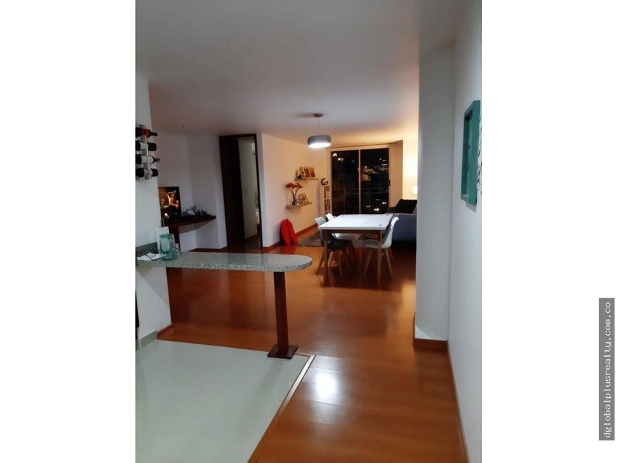 con balcon apartamento en chapinero alto de lujo tranquilo seguro