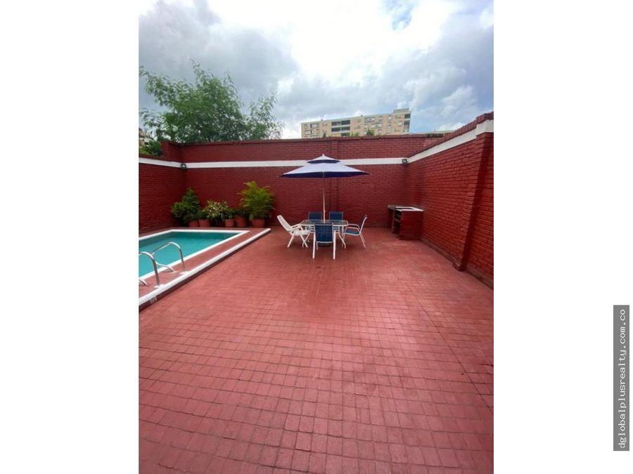 flora casa con piscina cerca a la calle 52n