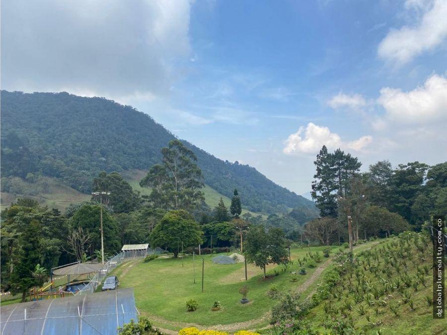 linda finca en dapa con excelente vista panoramica y jardines