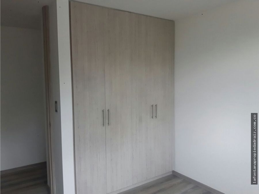 arrienda apartamento en la av alberto mendoza