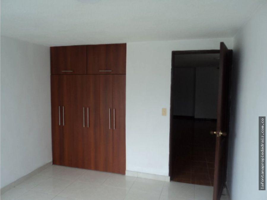 vende apartamento en milan