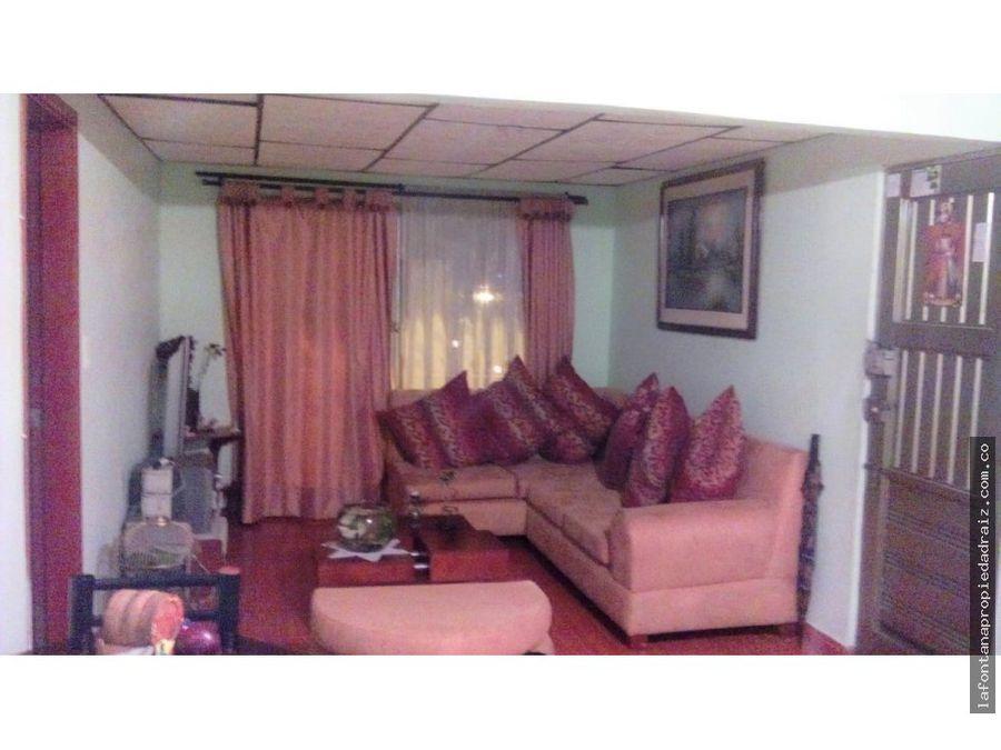 vende casa con renta en villamaria