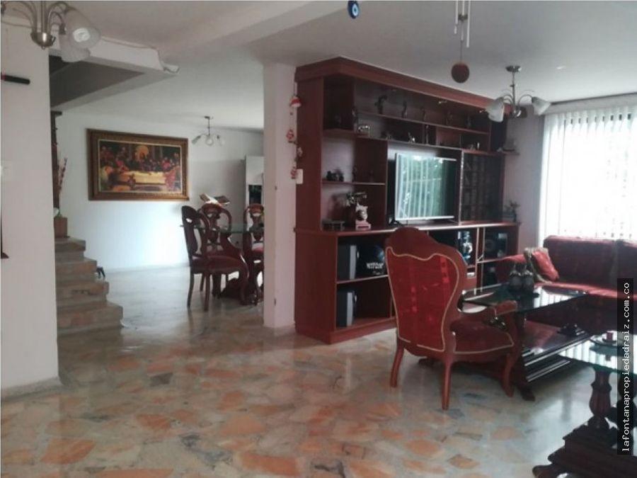 vende casa en villa pilar