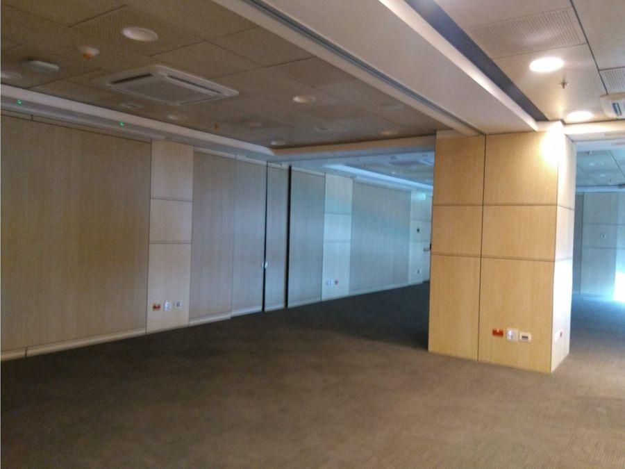 oficina en arriendo edif aaa torre 123 de 618 m2