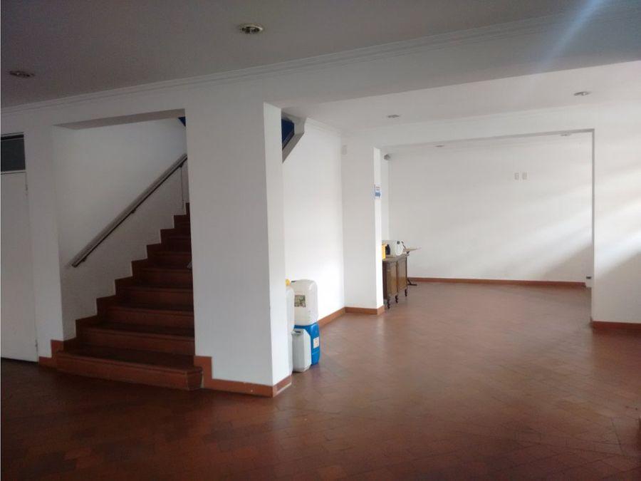 oficina yo local en antiguo country de 400 m2