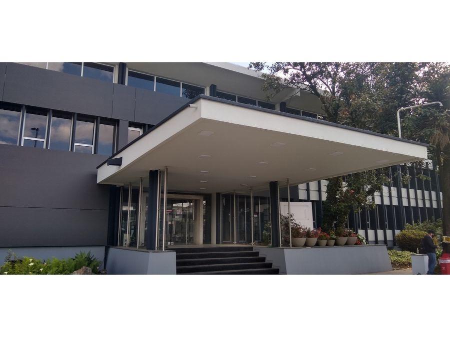 oficina arriendo connecta 2080 m2