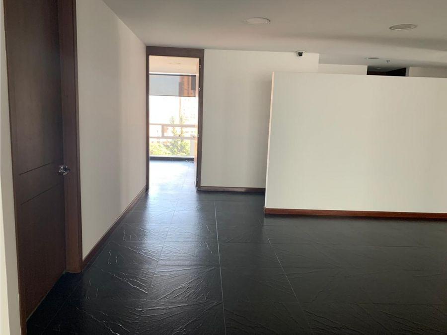 oficina arriendo paralelo 108 de 790 m2