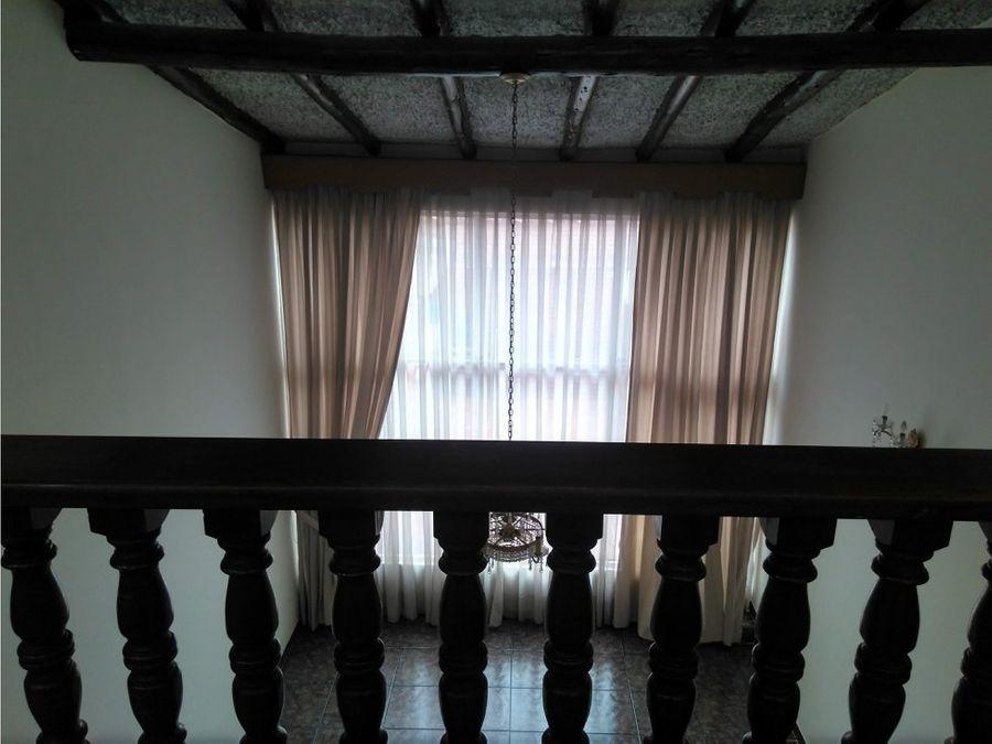 casa venta barrio batan de 212 m2
