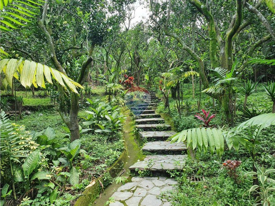 un oasis de serenidad natural cerca de la ciudad de san salvador