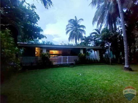 casa estilo rancho a 15 minutos de la costa del sol y el aeropuerto