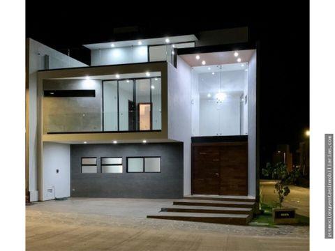 casa en venta con hermoso roof garden en valle imperial zapopan