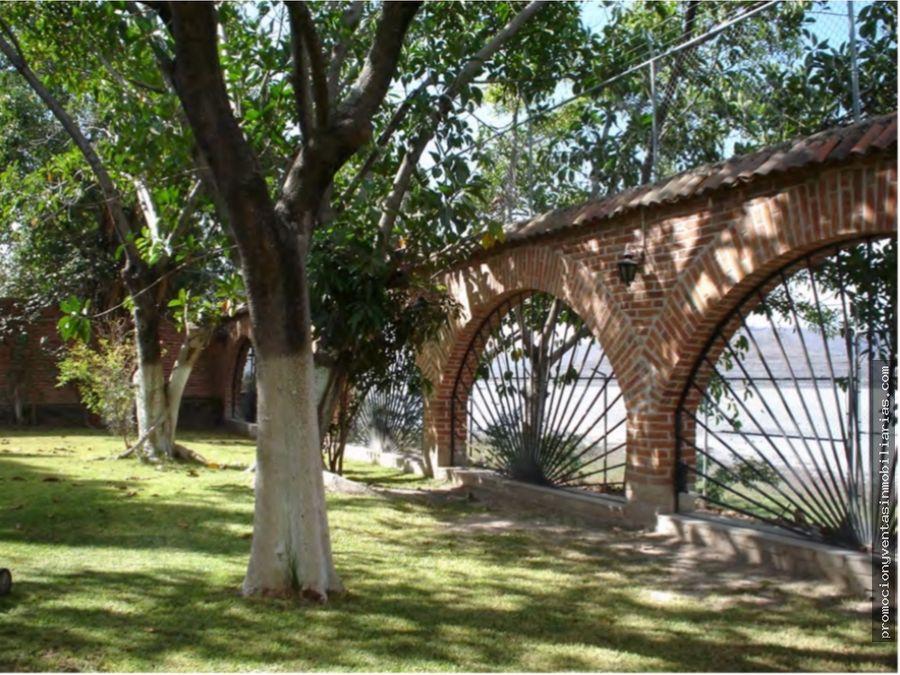 10 hectareas en villa corona frente a la laguna de atotonilco