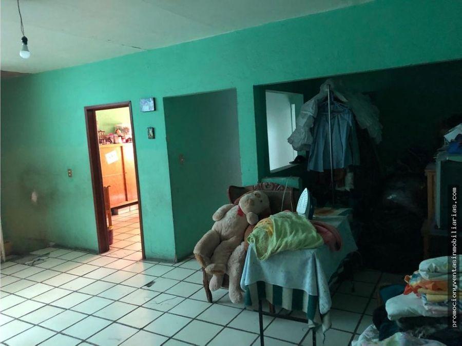 casa en lomas de tlaquepaque a 2 cuadras de revolucion
