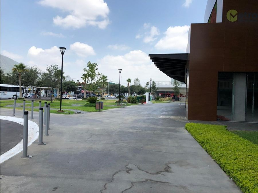 oficinas en renta en raul salinas 2085 mts2 2nivel en plaza lsl