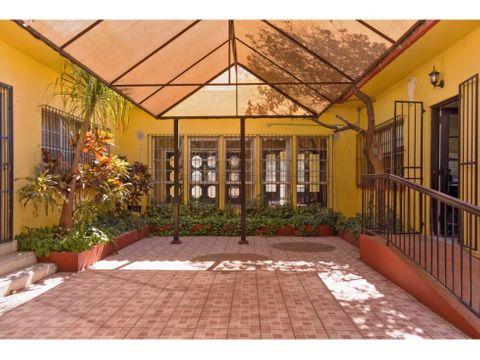 casa en venta en monterrey centro excelente ubicacion nlc
