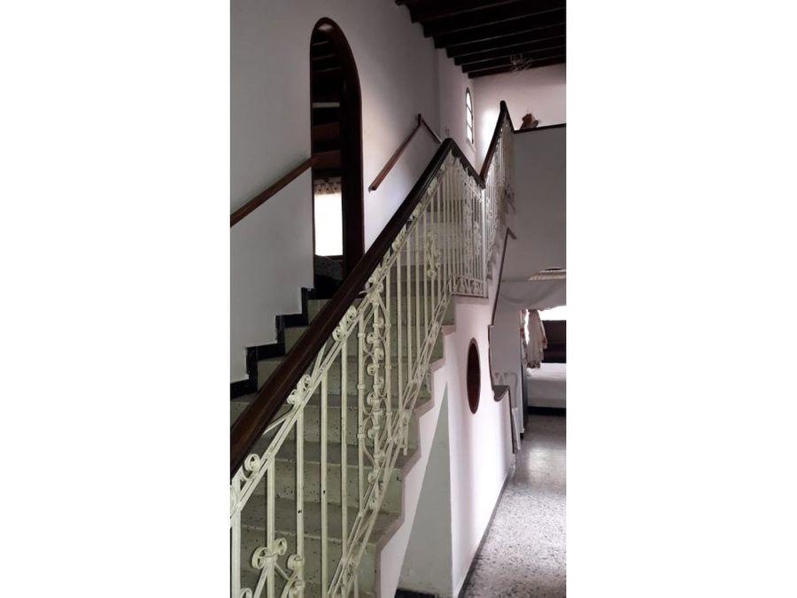 espectacular casa y apartaestudio en venta
