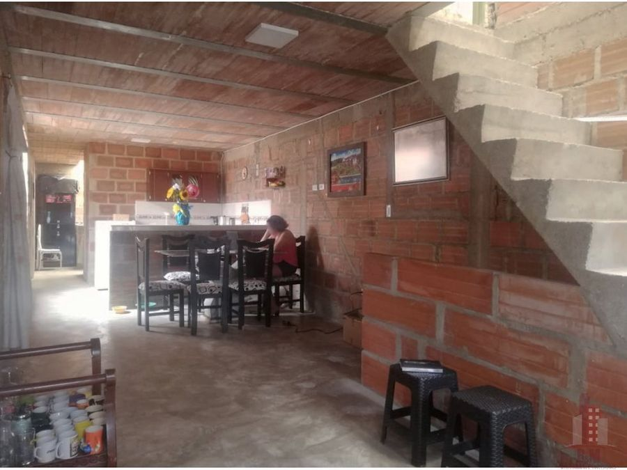 casa bifamiliar en venta el poblado 2 oriente