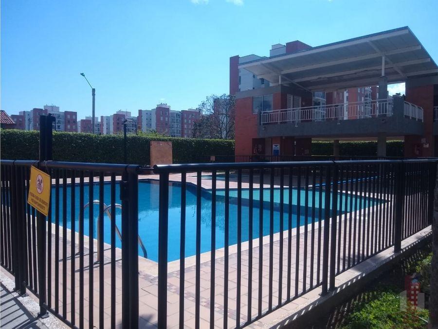 se arrienda apartamento en urbanizacion tairona valle del lili