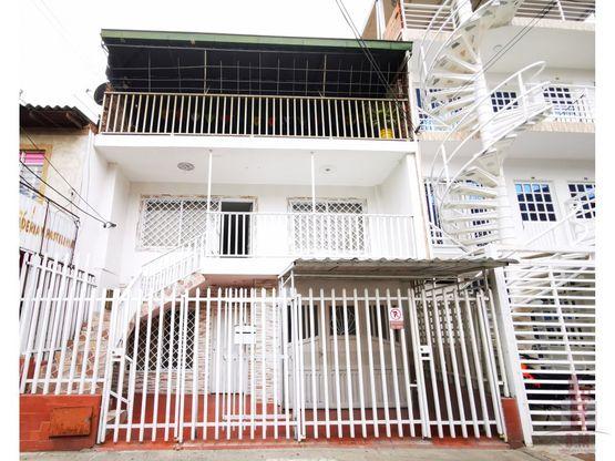 casa bifamiliar en venta atanasio girardot
