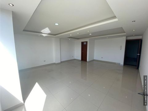 arriendo oficina local cumbaya san francisco