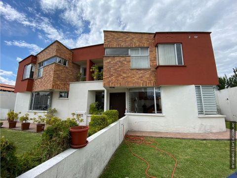 venta casa 3 dormitorios urbanizacion valle chillos