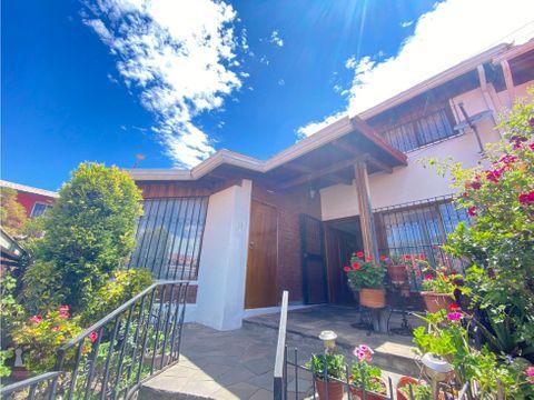 venta casa 3 dorm con departamentos de renta la kennedy