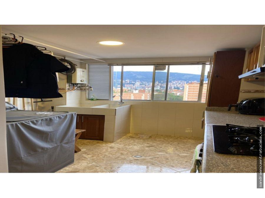 amplio apartamento remodelado en belen medellin