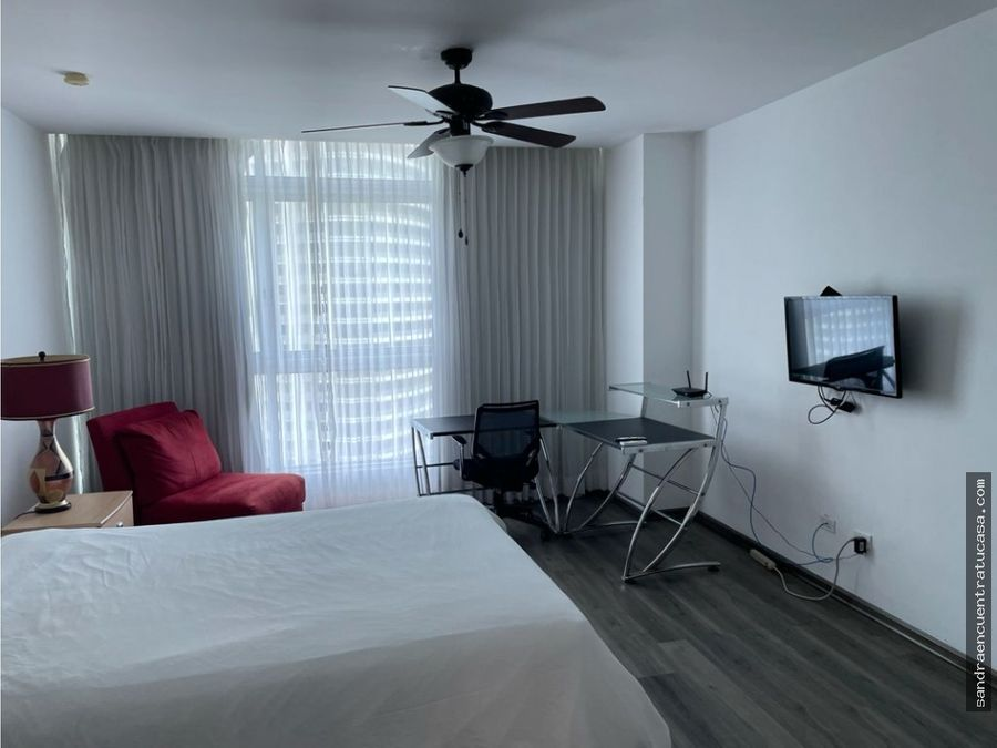 alquilo apartamento amoblado en bayfront tower en la avenida balboa