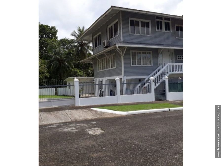 venta casa amplia en margarita colon con 4 apartamentos anexos
