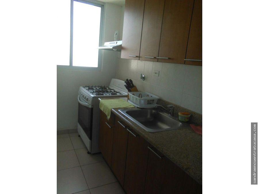 alquilo apartamento en terramar 2 recamaras amoblado