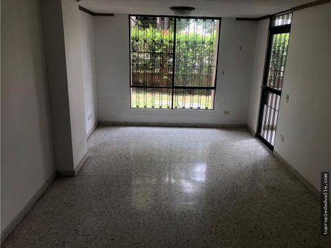 vendo apartamento en la flora 86mt2 primer piso