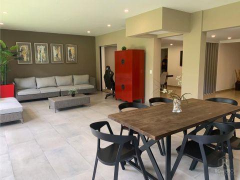 en venta hermosa casa de 2 niveles en via del mar full remodelada