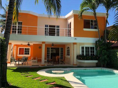 se alquila linda casa en club de playa san blas