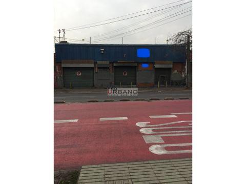 gran bodega con local comercial centro de santiago