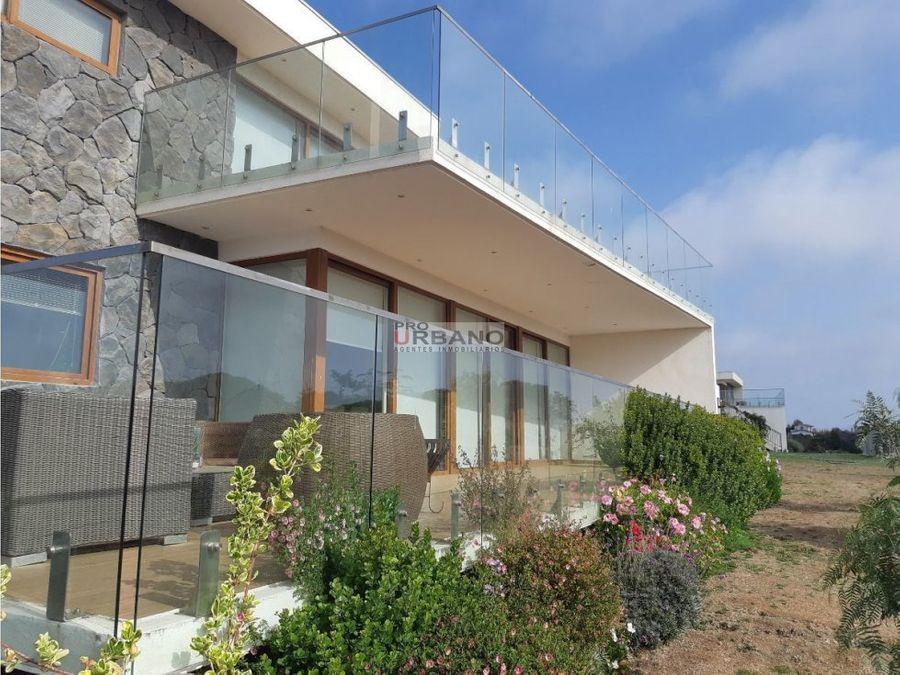 2 amplias casas en seguro condominio en mantagua