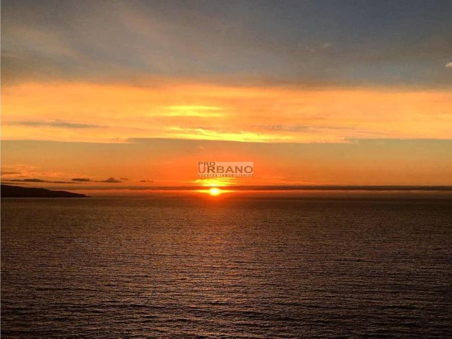 vista panoramica al mar