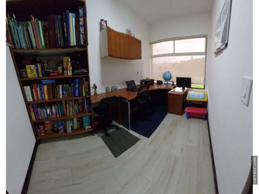 casa de cuatro habitaciones en condominio en curridabat