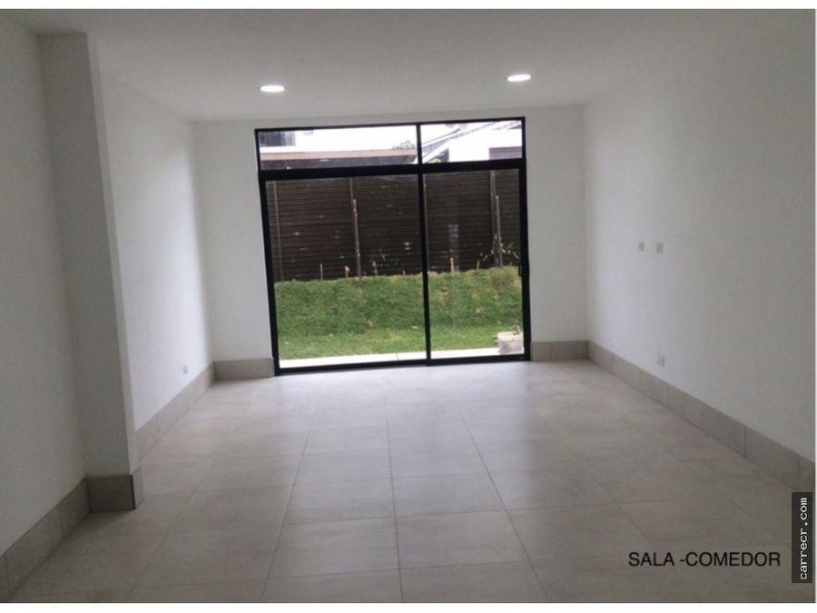 casa con dormitorio en planta baja en venta en lomas de ayarco