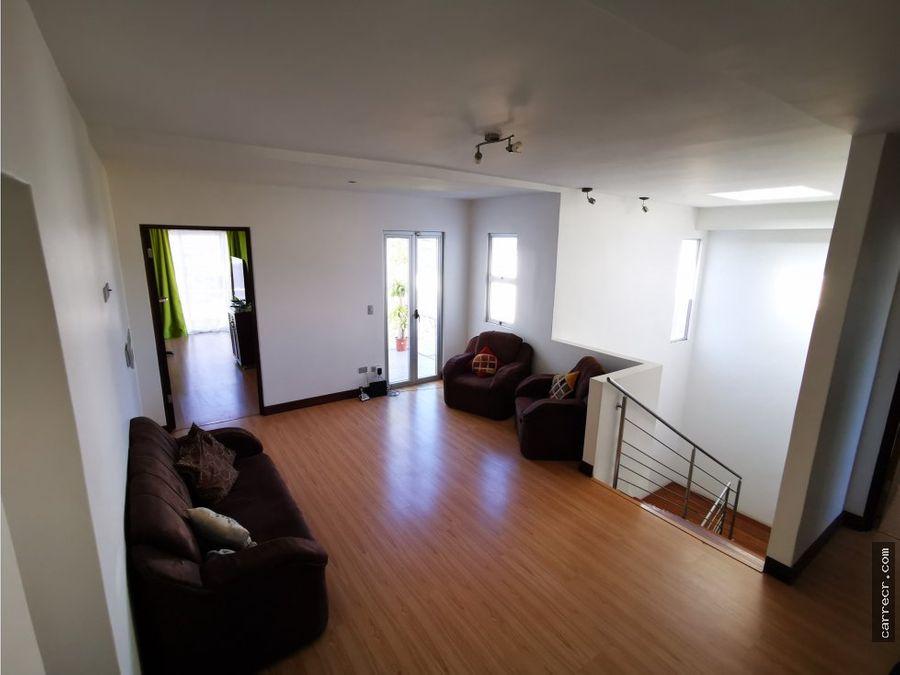 casa de cuatro dormitorios en venta en guayabos curridabat