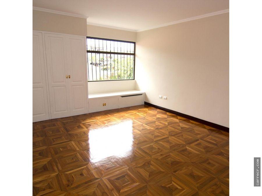 casa de cuatro dormitorios en guayabos curridabat