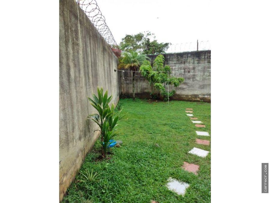 casa de una planta en residencial en curridabat