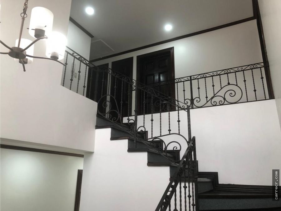 casa en residencial en granadilla curridabat
