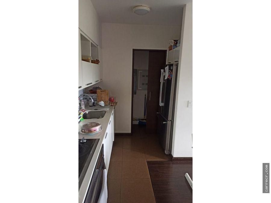 apartamento en quinto piso abitu granadilla