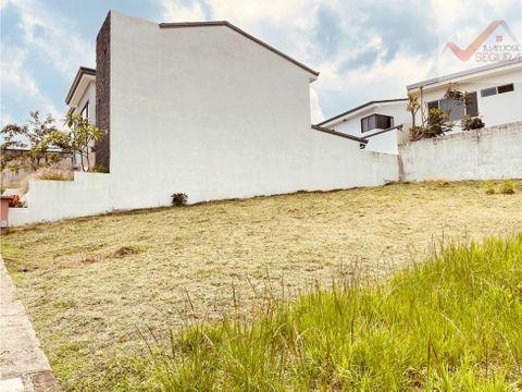 se vende lote en condominio tierras del santiago 7800000 heredia