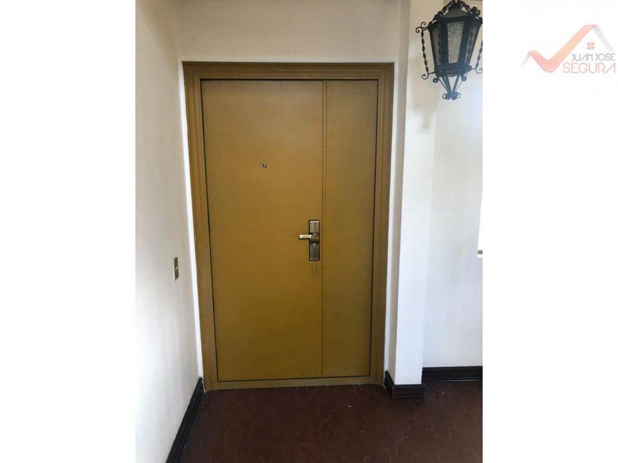 se alquila apartamento en escazu 900