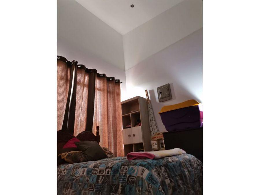 casa de 2 pisos san antonio de escazu