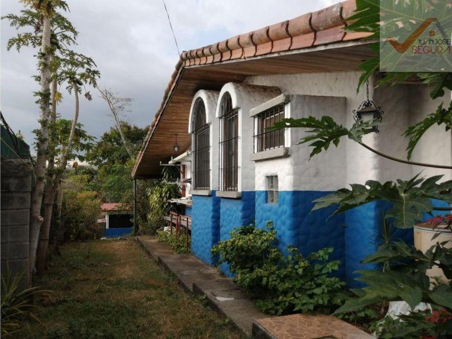 propiedad finca con casas y apartamentos en alajuela