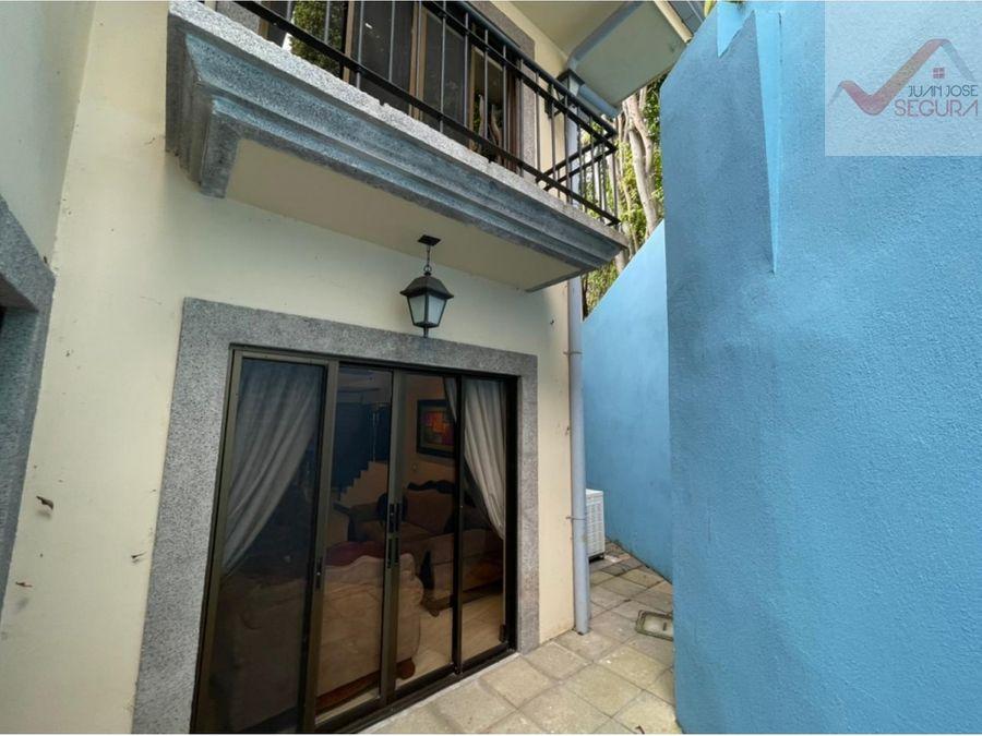 se vende espectacular casa condominio vista azul en escazu