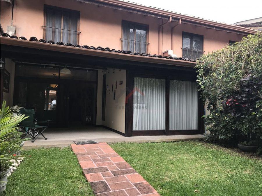 linda casa en condominio precio reducido